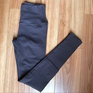 Airbrush Legging in Raisin (XXS) - Alo Yoga